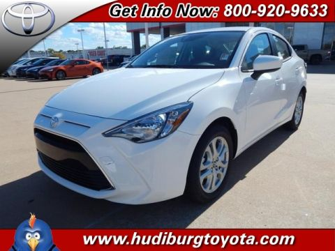 New 2017 Toyota Yaris iA Base FWD 4D Sedan